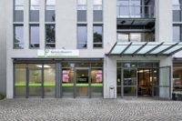Eingang der Kieferorthopädie in Dresden